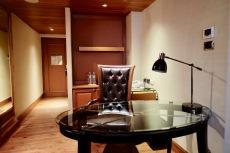 Junior Suite - Desk