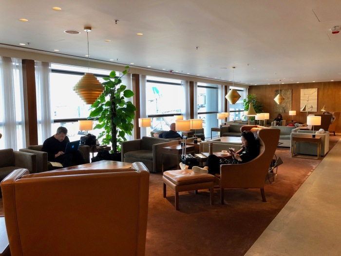 Review: Cathay Pacific 'The Pier, First' Lounge HKG